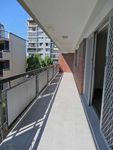 5/104 Thorn Street, Kangaroo Point QLD 4169