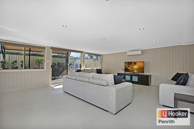 15 Flavel Street, South Penrith NSW 2750