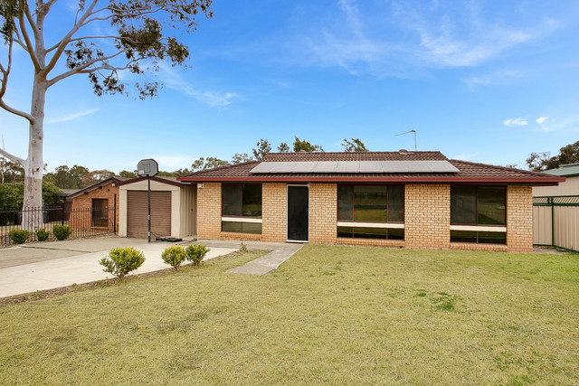 82 Semillon Crescent, Eschol Park NSW 2558