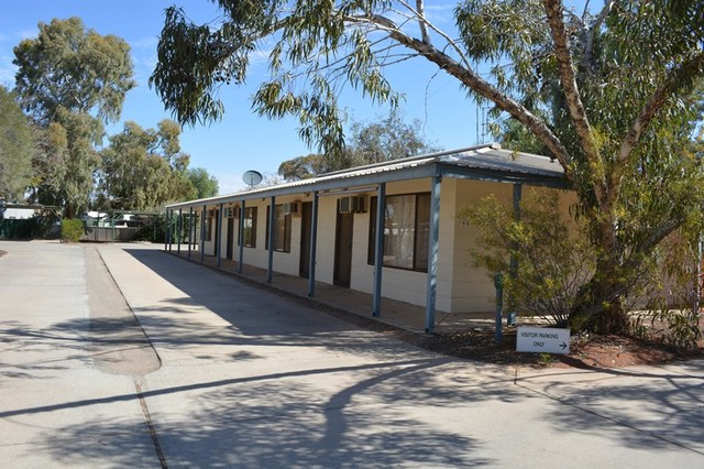 Unit 4/6-8 Kennebery St, Roxby Downs SA 5725