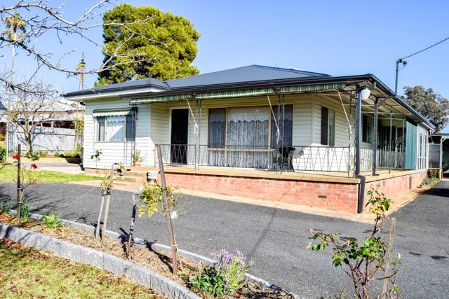 49 Forbes Street, Grenfell NSW 2810