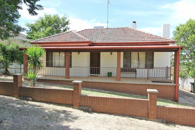 17 Virgil Street, Gundagai NSW 2722