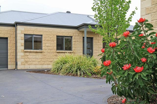 7/1887 Mount Macedon Road, Woodend VIC 3442