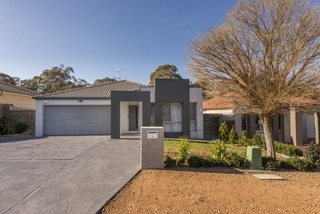 1/8 Murruba Place