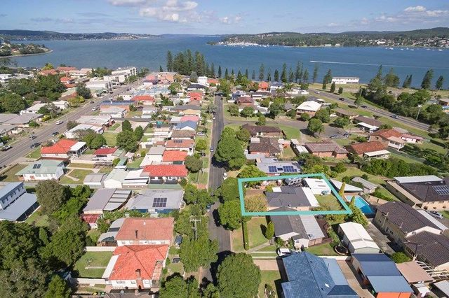 13 Edith Street, Speers Point NSW 2284