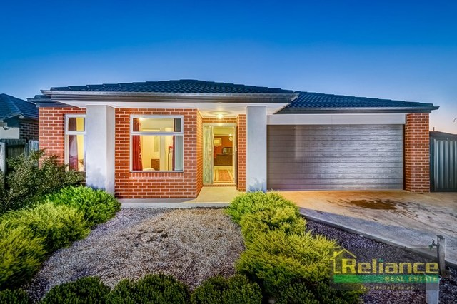 6 Warranooke Street, Melton South VIC 3338