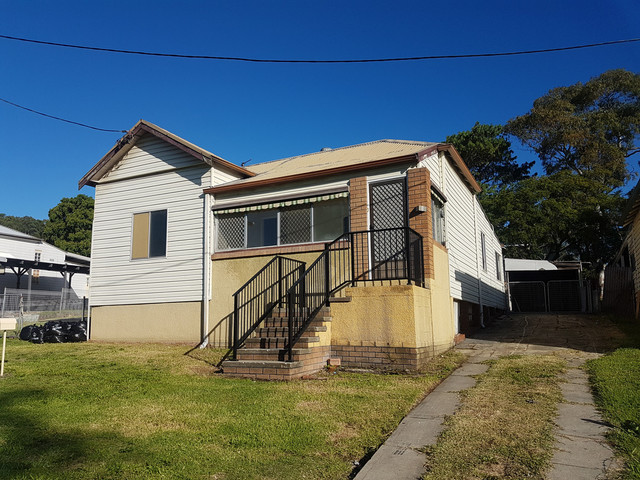 8 Third Street, Boolaroo NSW 2284