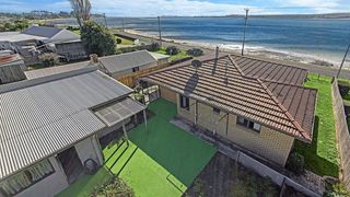 19 Foreshore Road