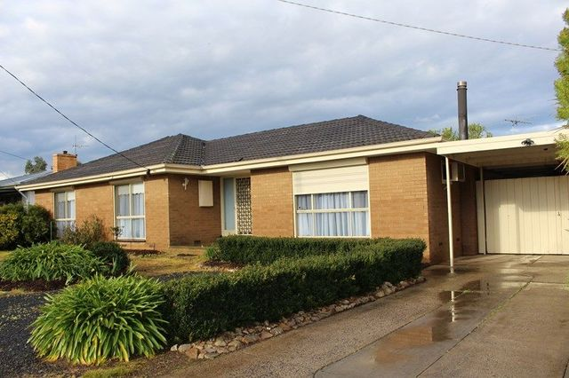 15 Racecourse Road, Riddells Creek VIC 3431
