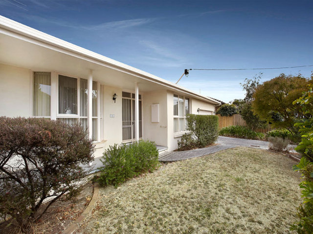 1/17 Mitchell Street, Doncaster East VIC 3109