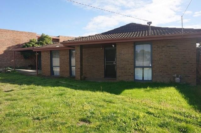 4 Melba Avenue, Sunbury VIC 3429