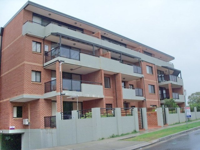 24/7-11 Kitchener Ave, Regents Park NSW 2143