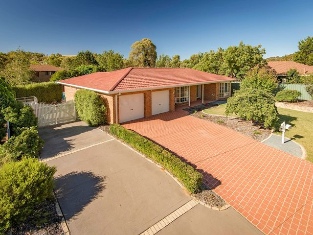 5 Fred Lane Crescent, ACT 2906