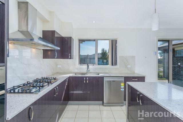 1 McGowan Crescent, Googong NSW 2620