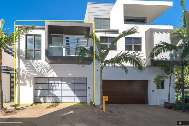 Villa 11 Salacia Drive, Paradise Point QLD 4216