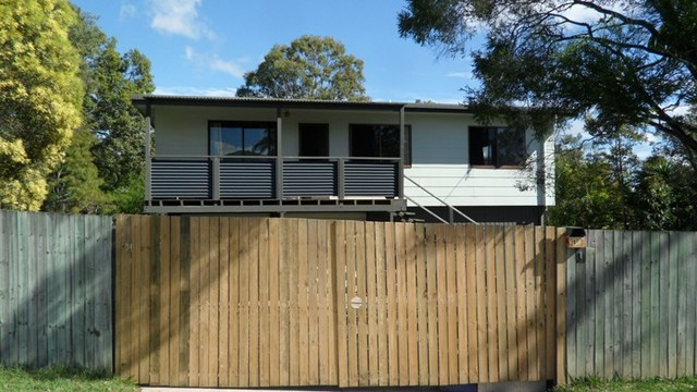 1 Cotswold St, Morayfield QLD 4506