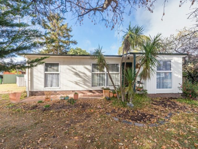 1 Dane Street, Queanbeyan NSW 2620