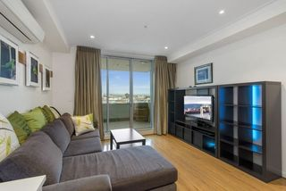 608/18 Rowlands Place