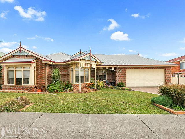 12 Amarina Crescent, Grovedale VIC 3216