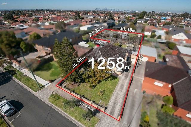 71 Eastgate Street, Pascoe Vale South VIC 3044