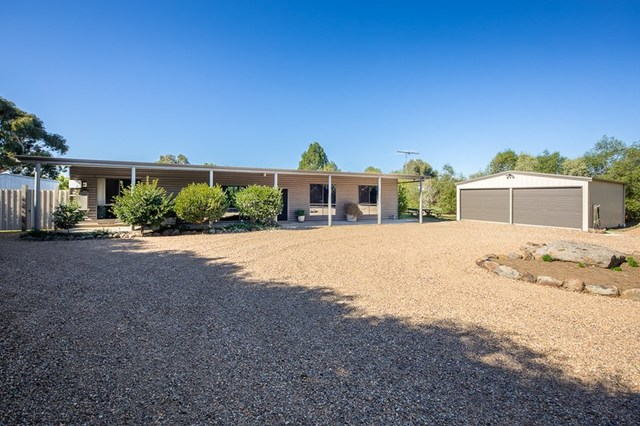 18 Connors Road, Lancefield VIC 3435