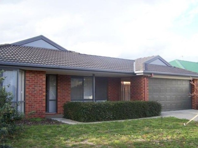 22 Charter Road East, Sunbury VIC 3429