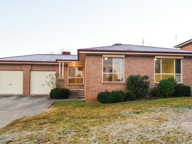 22 Tadross Avenue, Young NSW 2594