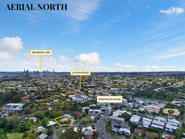 9 Woodford St, Holland Park West QLD 4121
