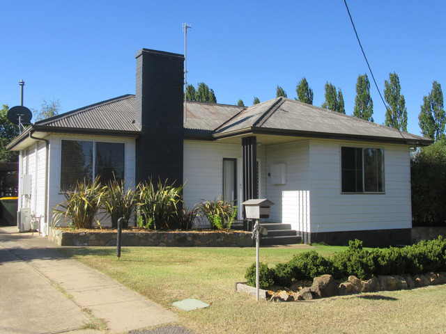 18 Sellar Street, NSW 2630