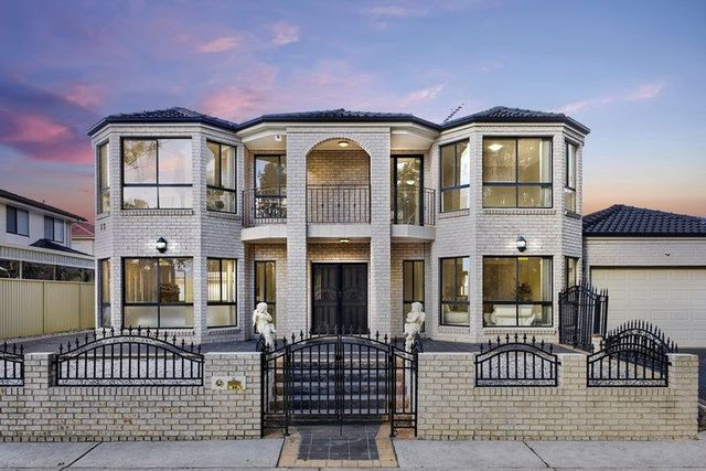 12 Currey Place, Fairfield West NSW 2165