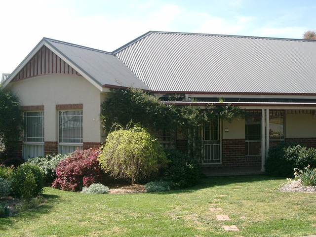 2 Wentworth Court, NSW 2619