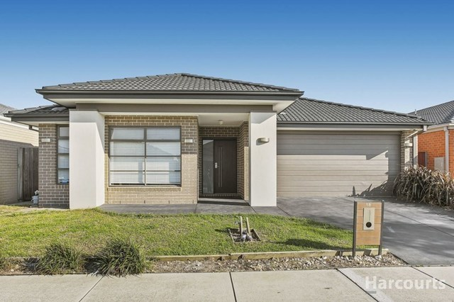 18 Brightstone Drive, Clyde North VIC 3978