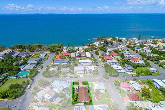 2/95 Kate Street, Woody Point QLD 4019