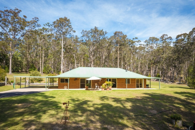 1804 Sapphire Coast Drive, NSW 2550