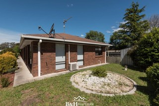 2/5 Henderson Place