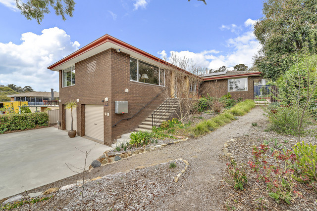 82 Bandjalong Crescent, Aranda ACT 2614