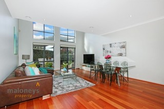 4/3 Seaborn Place