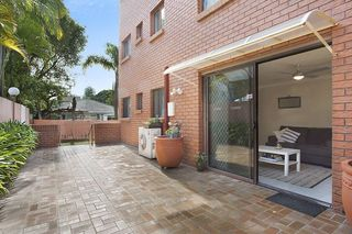 2/31 'Safari Lodge' Armrick Avenue