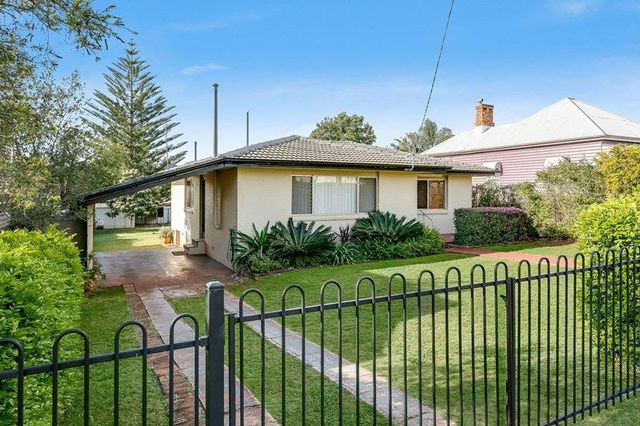 219A South Street, QLD 4350