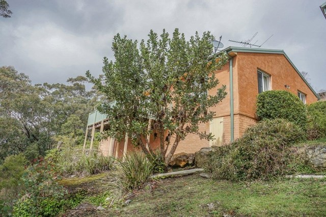 20 Careya Crescent, Woodford NSW 2778