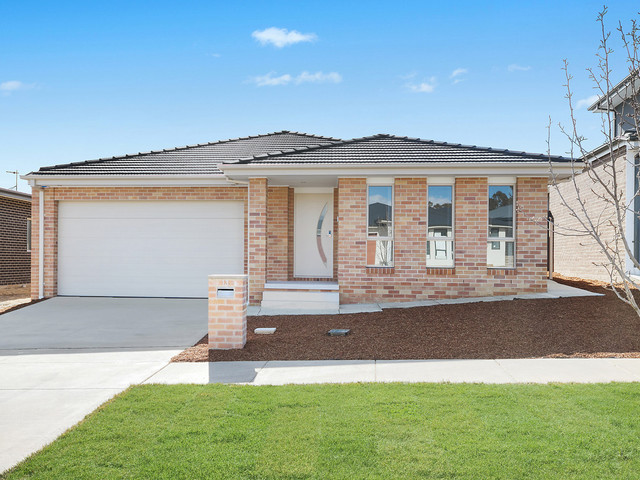 13 Ruby Hunter Rise, Moncrieff ACT 2914