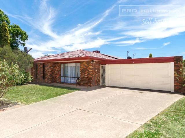 13 Undurra Drive, Glenfield Park NSW 2650