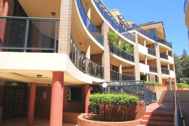 30/1-4 The Crescent, NSW 2135