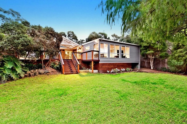 50 Fernside Avenue, Briar Hill VIC 3088