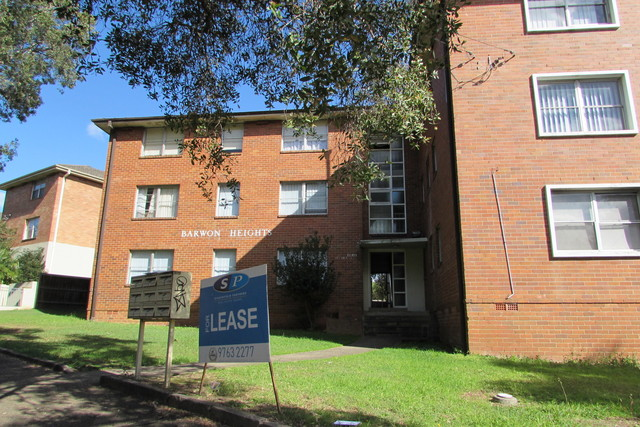 1/17 Marlene Crescent, Greenacre NSW 2190
