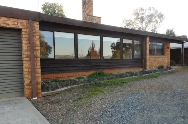 13 Bundara Cres, Tumut NSW 2720