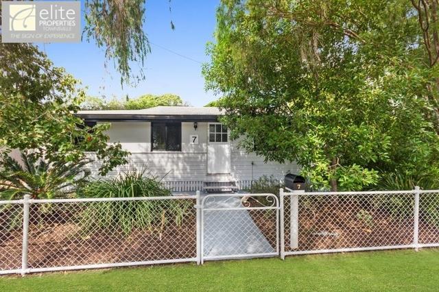 7 Hirst Street, Hermit Park QLD 4812