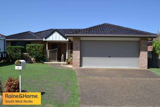 8 Athol Elliot Place, NSW 2431