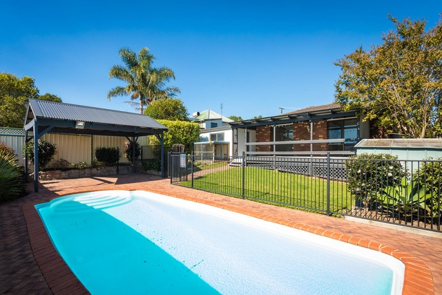 61 Fairview St, NSW 2550