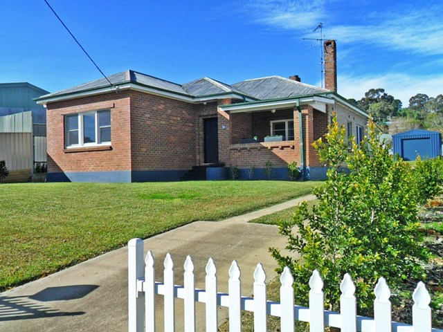 59 West Street, Gundagai NSW 2722
